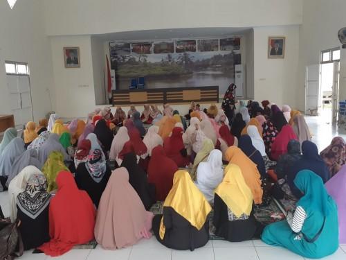 Pengajian rutin di Kecamatan Cibinong